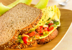 egg and vegetable sandwich whole wheat bread