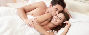 preview-full-happy-couple-in-bed2
