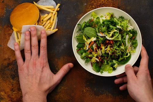 choosing salad over burger healthier with Progentra
