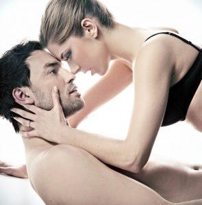 locking eyes and romantic chemistry