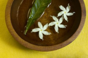 jasmine flowers in water