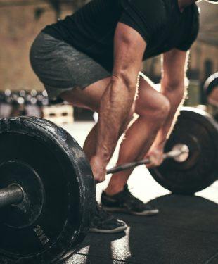 deadlift in gym